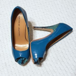 """Chinese Laundry """"Hotness"""" Patent Leather Teal Pump"""
